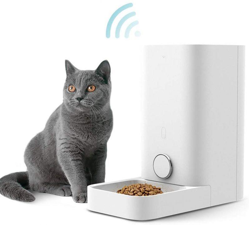 Alimentador Inteligente para Perros y Gatos.