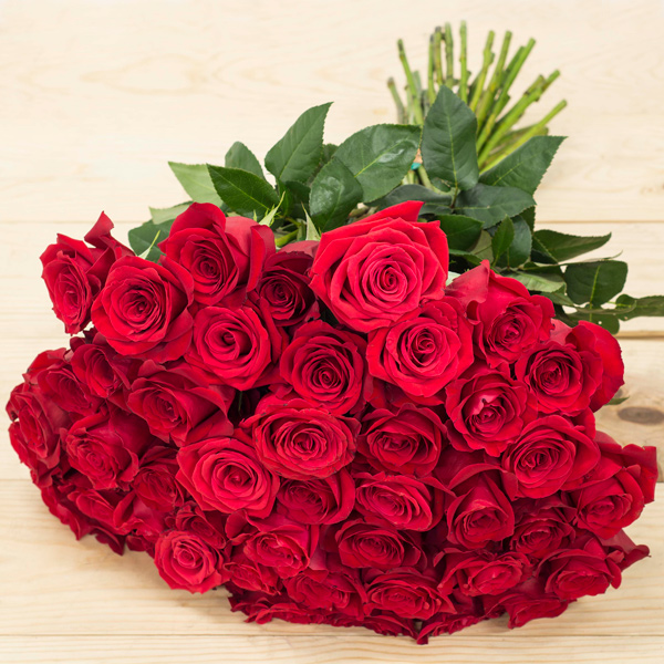 50 Red Roses.