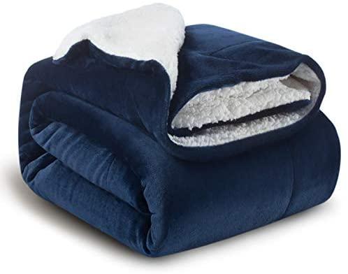 Bedsure Manta Reversible de Franela/Sherpa 150x200cm – Manta para Cama 90 de 100% Microfibra Extra Suave – Manta de Felpa Azul Marino